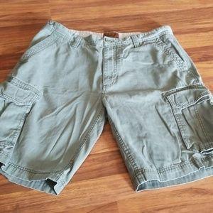 💥4/$10💥 Men's St John's bay size 34 shorts